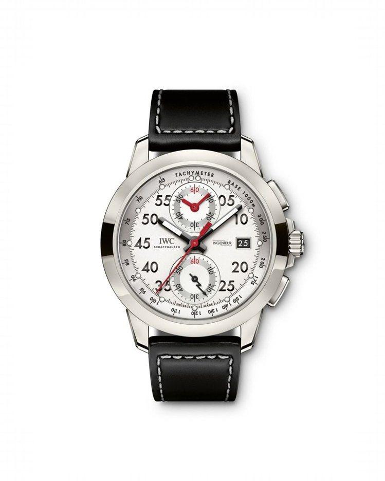 IWC工程師運動計時系列Mercedes-AMG50周年特別版腕表,搭載有飛返計...