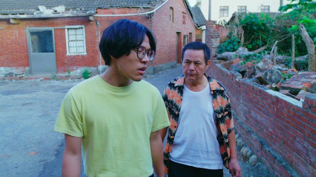 電視劇「花甲男孩轉大人」收視亮眼,尤其飾演父子的蔡振南與盧廣仲的吵架戲,3分多鐘...