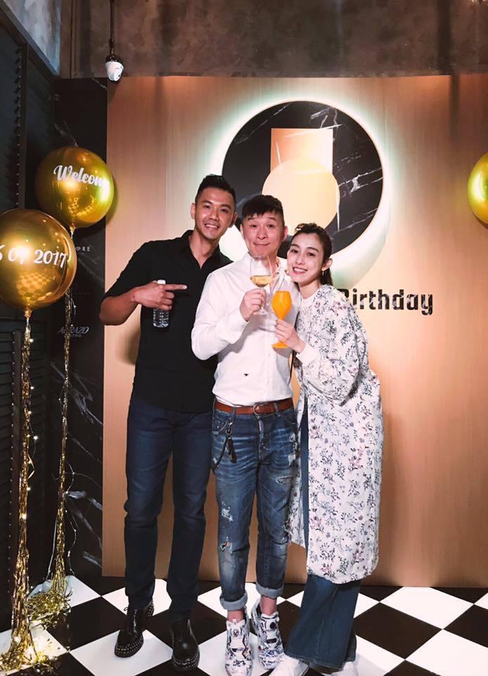 陳鎮川(中)提前慶祝50大壽,陳建州和范范參加生日派對。圖/摘自范瑋琪臉書