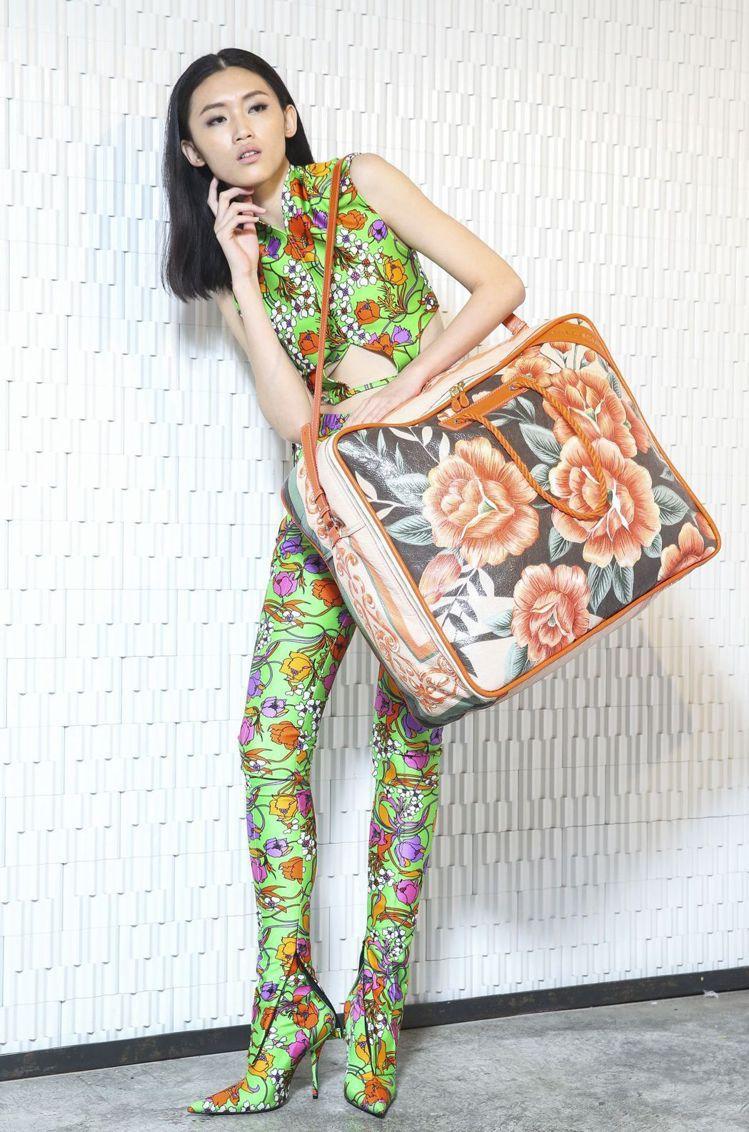 Balenciaga 2017春夏系列推出許多貼身的印花單品。聯合報資料照