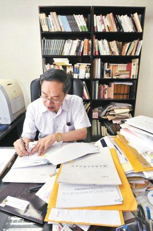 陳芳明教授即將自政大台文所退休。 圖/本報資料照片