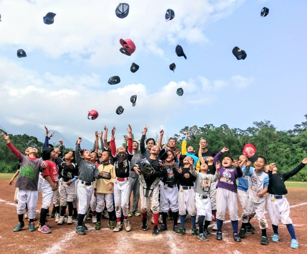 台東長濱國小棒球隊整軍再出發,幫助偏鄉學童在運動中找到自信與成就感。 圖/長濱國...