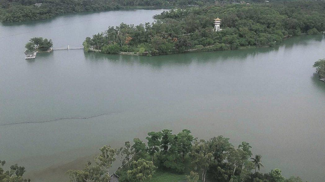 棠宇建設的景中泱,位於澄清湖畔擁絕佳視野,真正臨湖景觀豪宅。 棠宇/提供