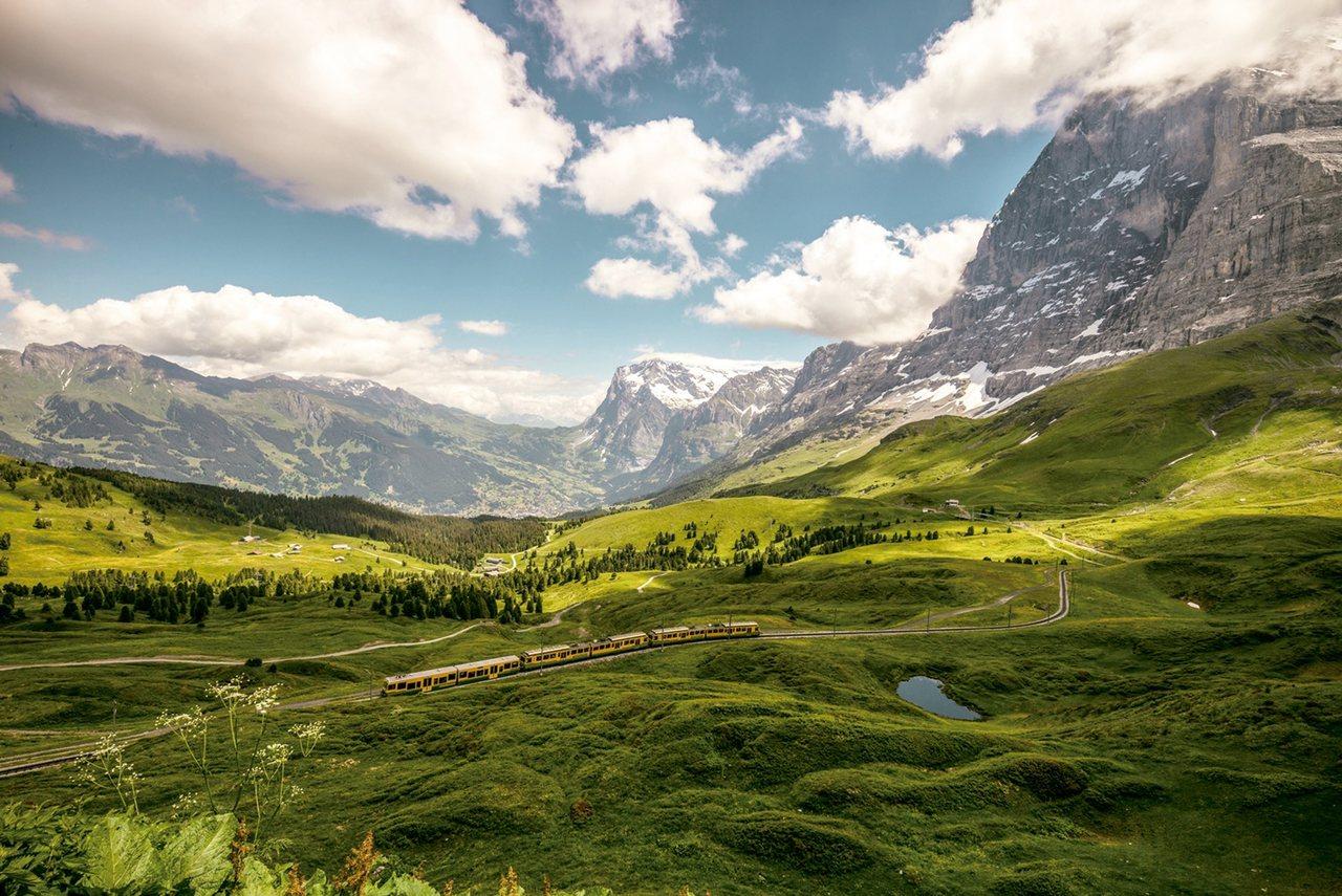 瑞士11天全程鐵道遊,帶小小孩搭火車慢遊。 雄獅旅遊