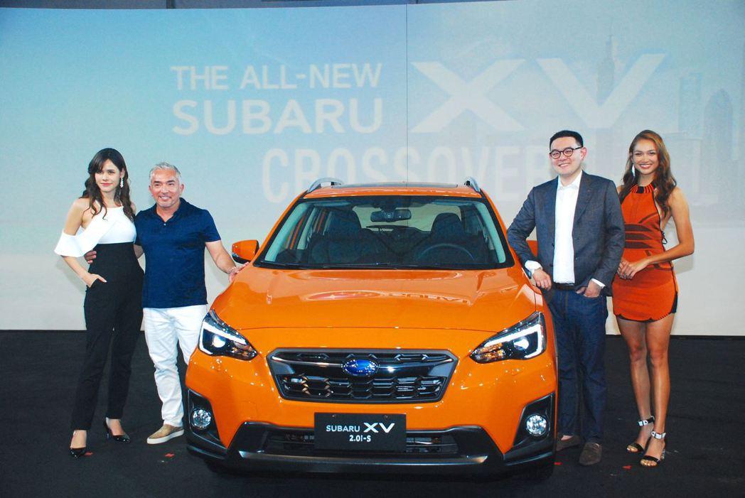 全新Subaru XV、意美集團首席執行長陳駿鴻(右二)與《報告狗班長》主持人C...