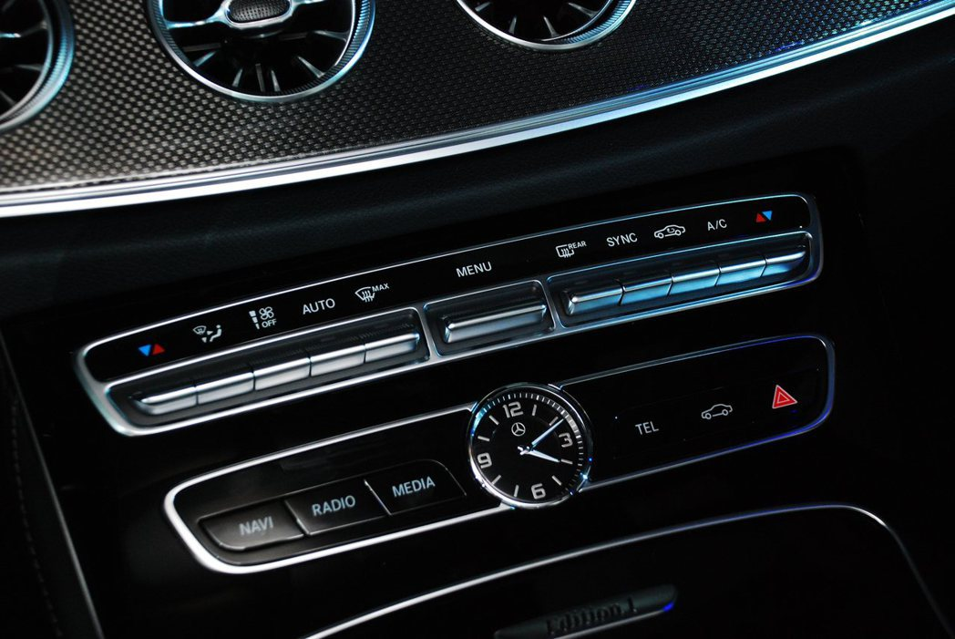 新Mercedes-Benz E-Class Coupe內裝。記者林昱丞/攝影