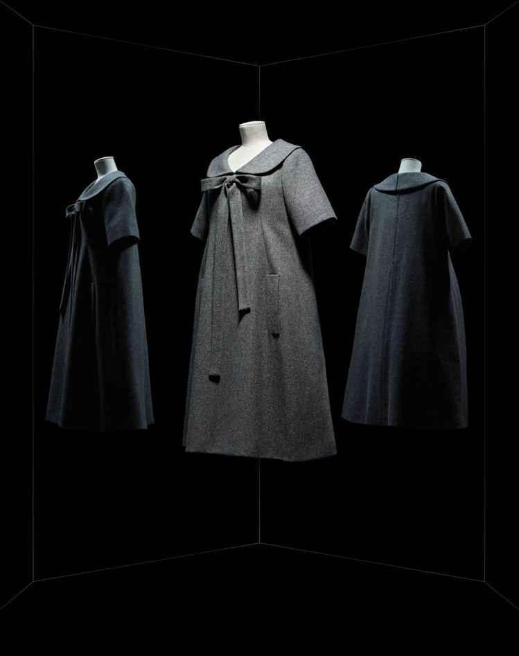Yves Saint Laurent設計的1958年春夏Bonne Condui...