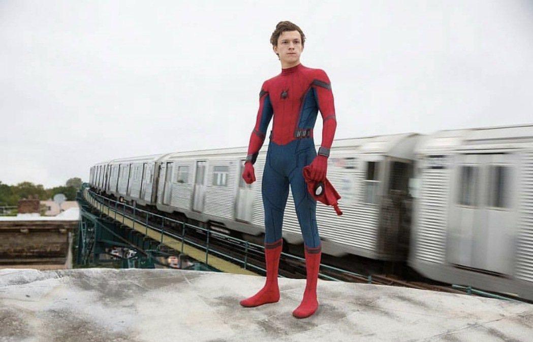 湯姆霍蘭德是史上最年輕的蜘蛛人。圖/摘自imdb