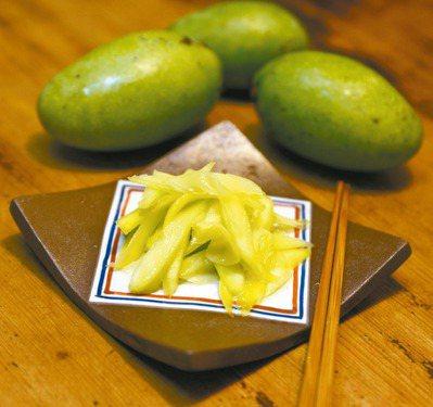 自製芒果青,少了添加色素或添加物的疑慮,吃得更安心。 圖/毛奇