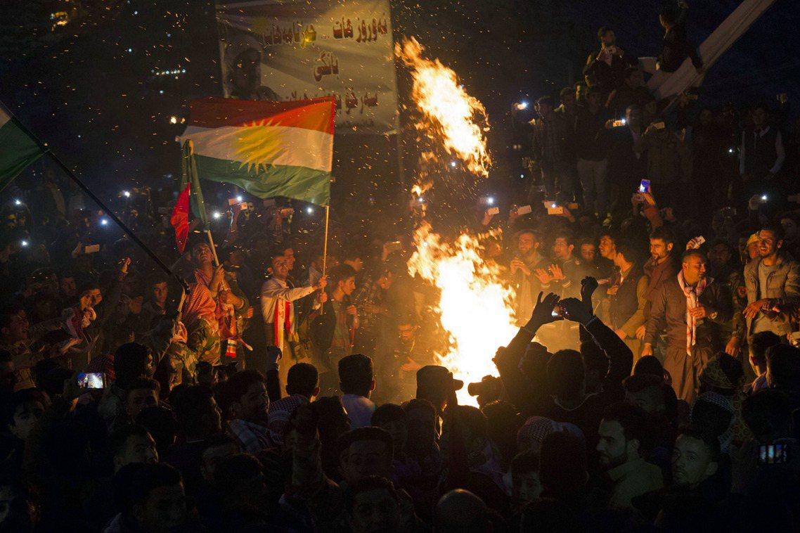 資料圖片:慶祝「諾吾魯茲」傳統新年的伊拉克庫德人。 圖/歐新社