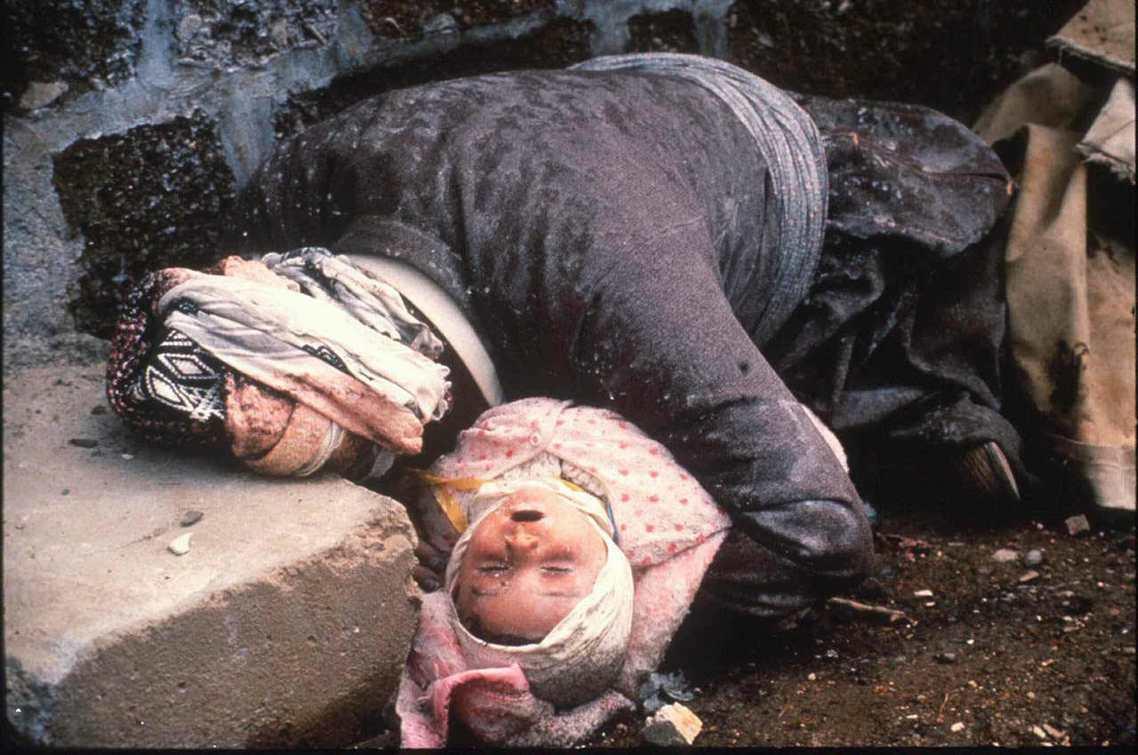 1988年3月17日,造成5,000人死亡的哈拉布賈化武大屠殺。 圖/美聯社