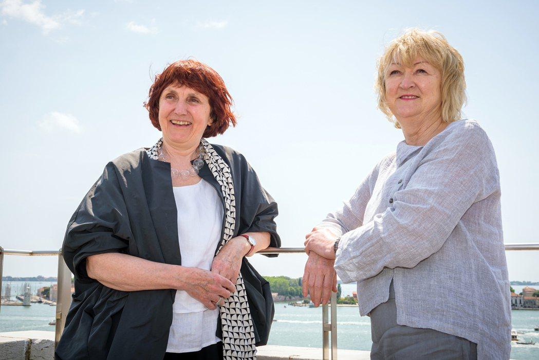 愛爾蘭女建築師伊馮娜(Yvonne Farrell )與雪萊(Shelley M...