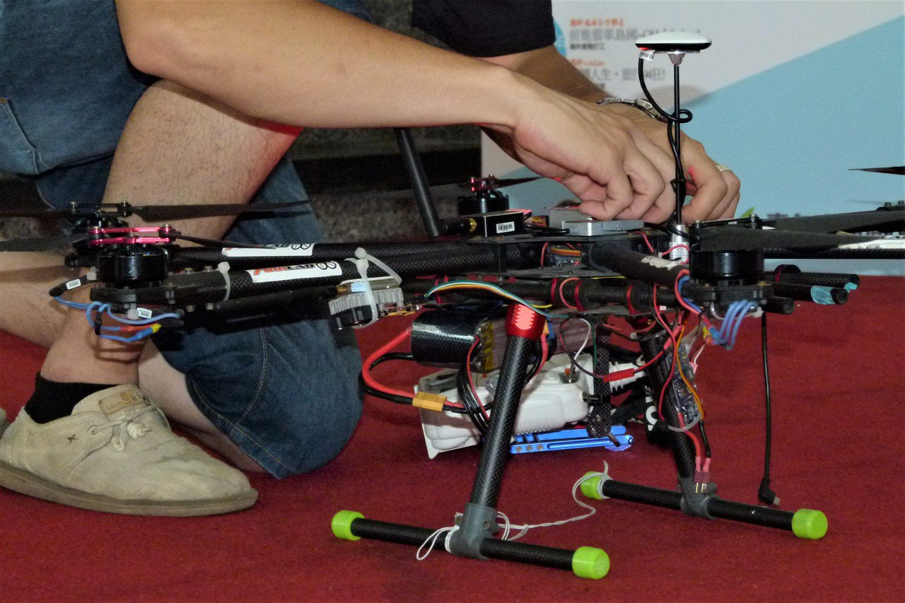 無人機已經被廣泛使用,功能更複雜。記者鄭國樑/攝影
