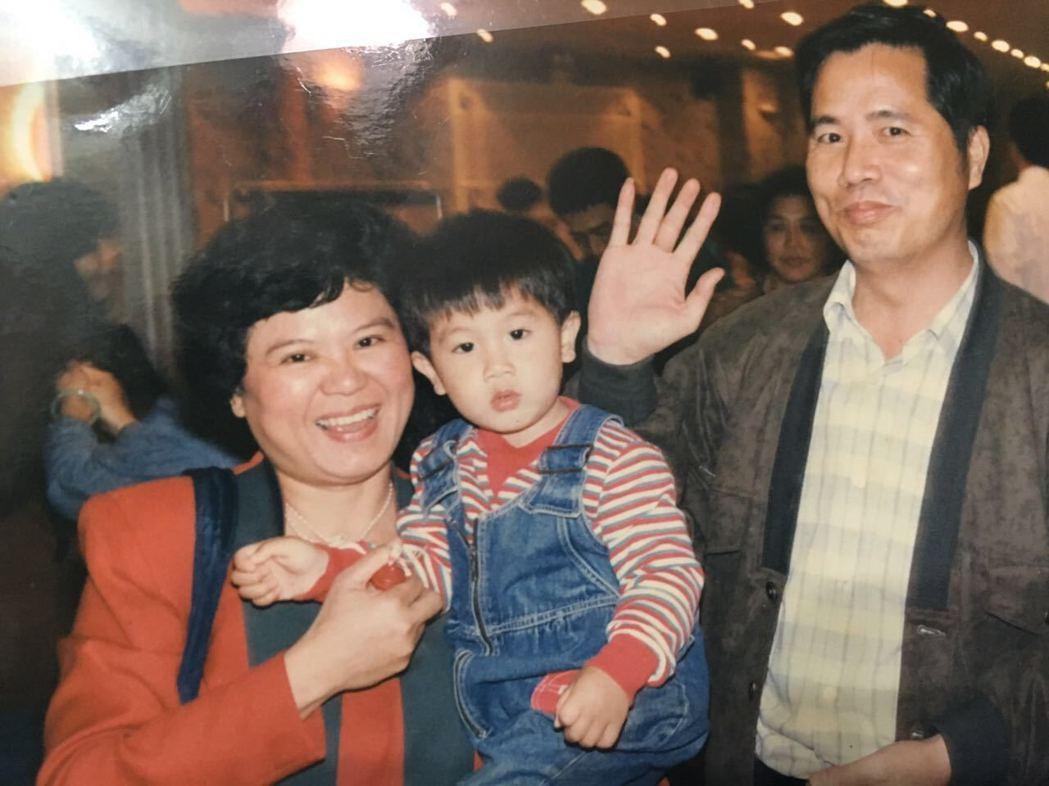 陳彥允一直到20幾歲才學會和父母相處。圖/陳彥允提供