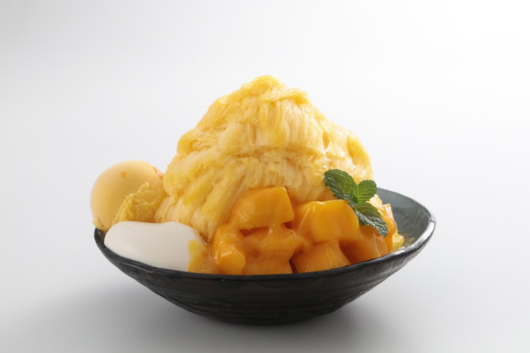 Ice Monster最具知名度的招牌產品「新鮮芒果綿花甜」進軍到南部。圖/晶英...