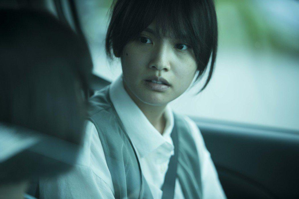 楊丞琳為演出「紅衣小女孩2」而素顏,沒想到還要另外畫老妝,看起來才會比較憔悴。圖