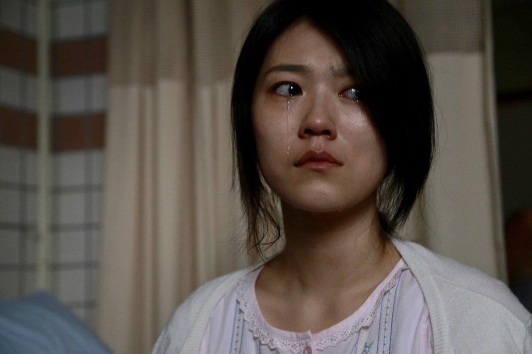 曹雅雯經過「外鄉女」系列單元磨練,哭戲真情流露。圖/民視提供
