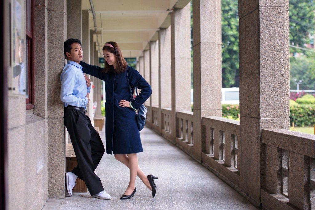 高英軒(左)、謝盈萱2人因太熟,片場常搞笑。圖/公視提供