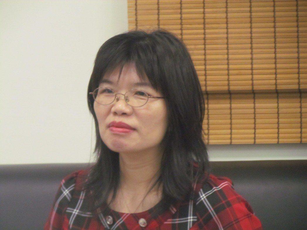 新上任的南投縣政府教育處長李孟珍,最近完成中小學校長異動。記者張家樂/攝影