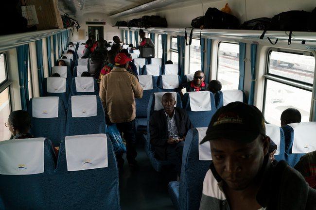肯亞總統甘耶達(uhuru kenyatta)花40億美元修建這條約480公里的...