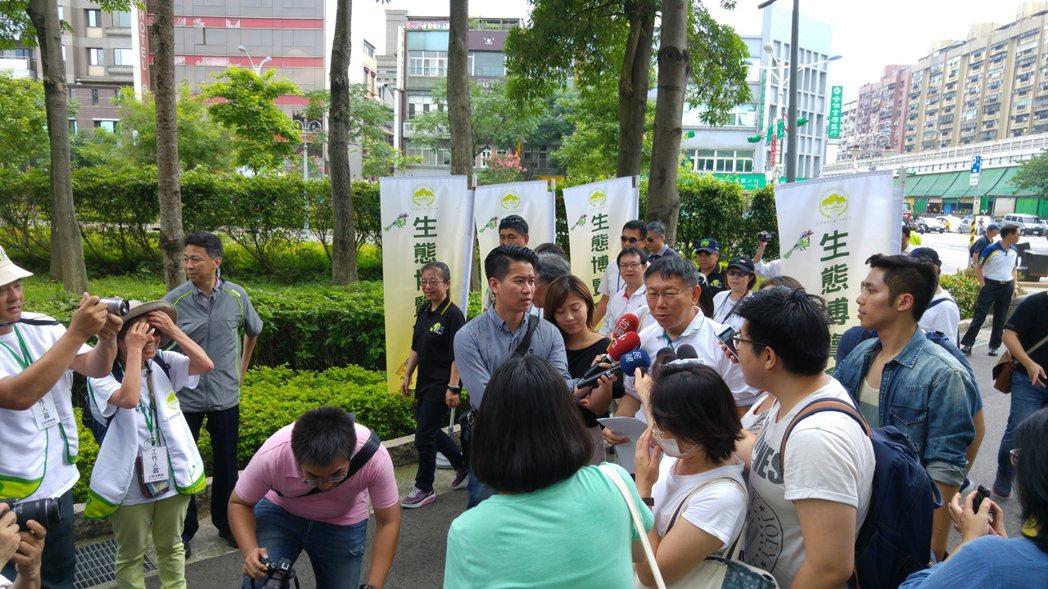 台北市長柯文哲今早接受媒體聯訪時表示,「換了位置就換了腦袋」以前是罵人的話,現在...