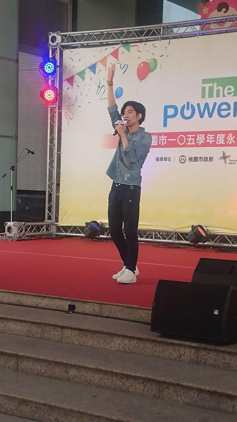 歌手潘裕文今天受邀到場演出。記者李京昇/攝影