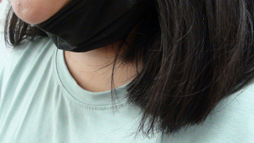 雲林縣某國中生為保護自己佯稱混黑道,竟因此遭到同校學姊呼巴掌。記者陳雅玲/攝影