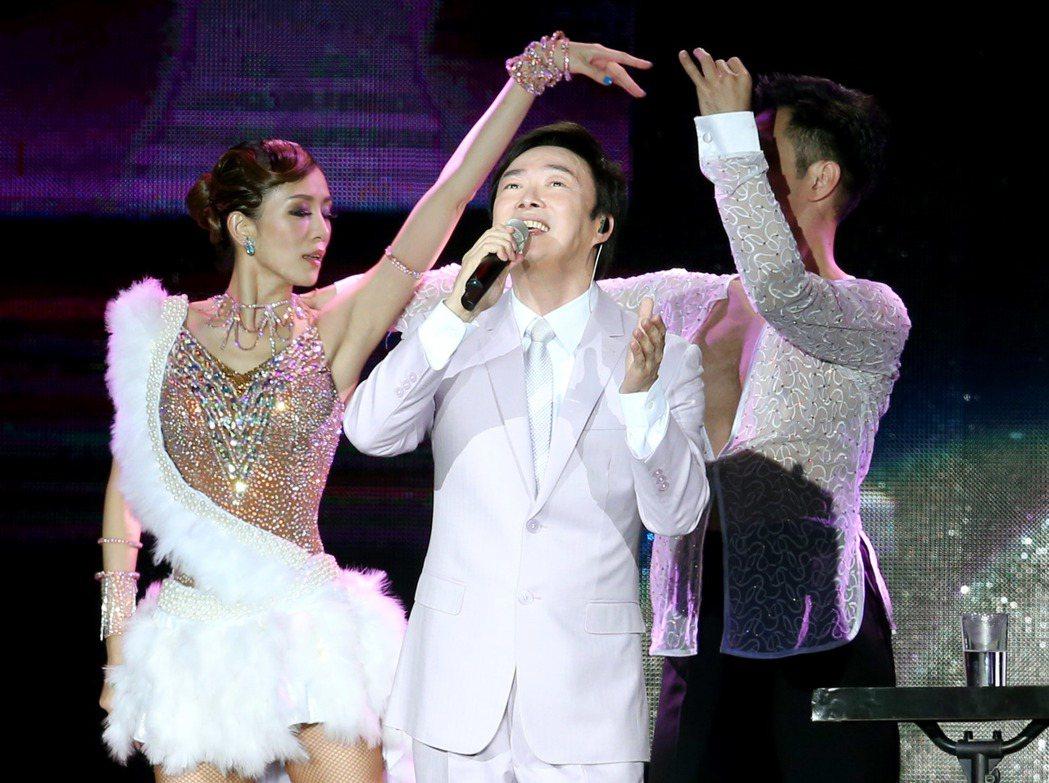「歌壇長青樹」費玉清在台北小巨蛋開唱。記者屠蕙剛/攝影
