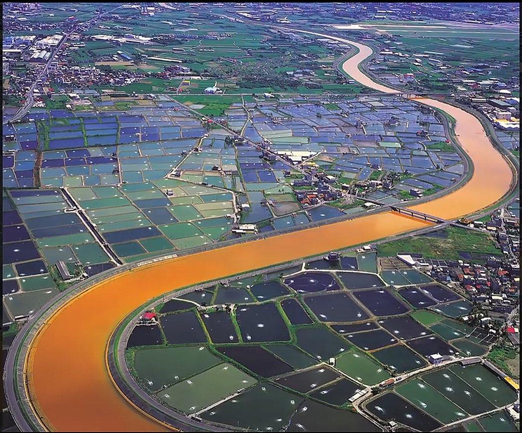高雄阿公店溪汙染。 圖/翻攝自看見台灣