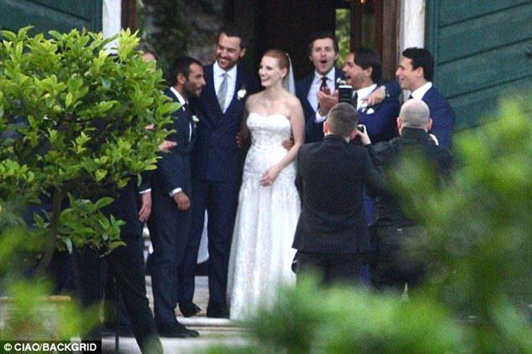潔西卡雀絲坦和老公Gian Luca Passi de Preposulo完婚。...