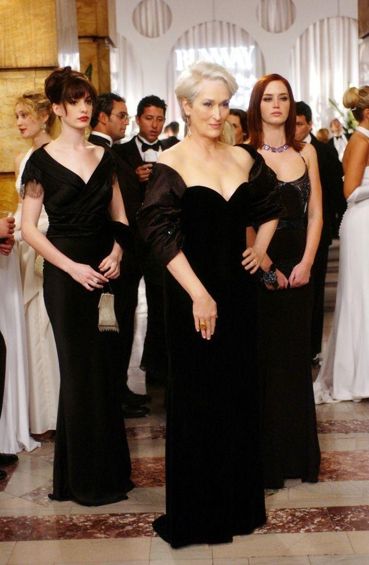 2006年《穿著PRADA的惡魔》艾蜜莉布朗飾演尖酸刻薄的特助。圖/STAR M...