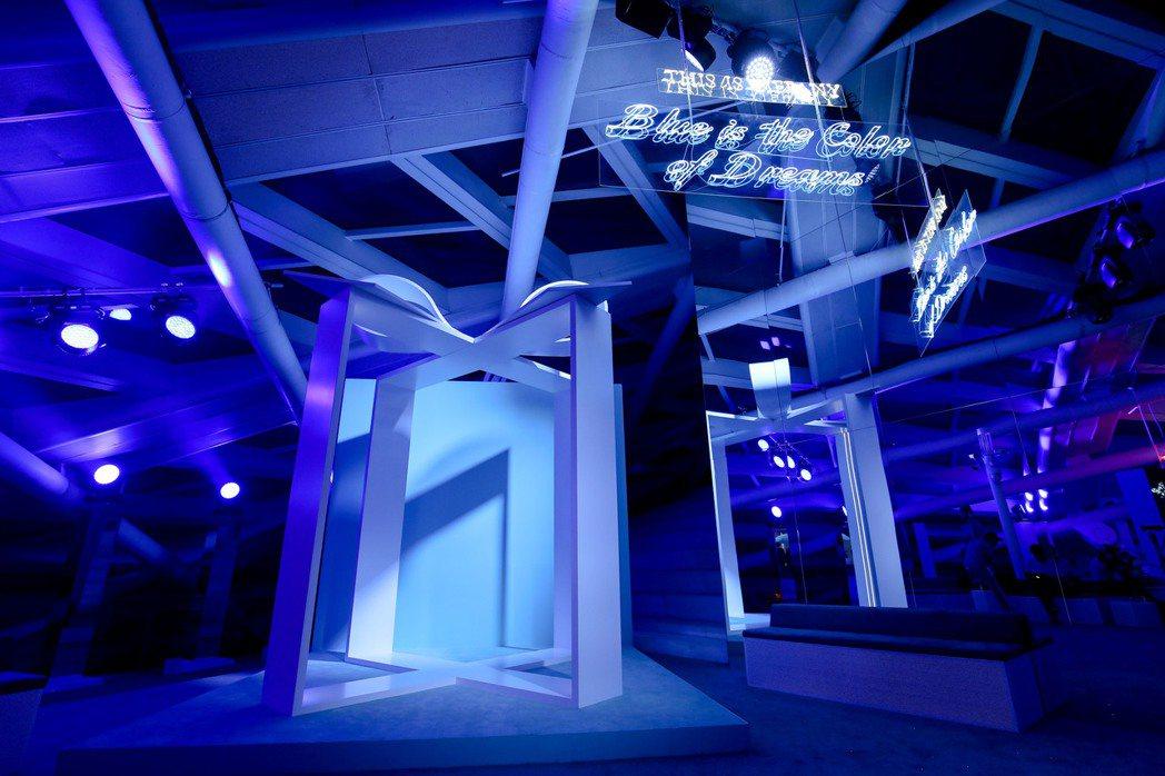 由於藍色盒子實在太經典,展場更劃出Tiffany藍色禮盒專區。圖/Tiffany...
