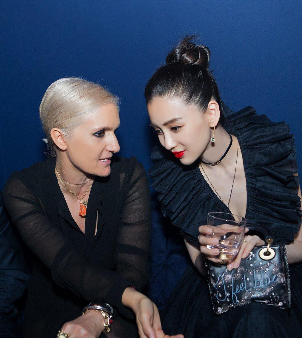 Maria Grazia Chiuri現身上海西岸藝術中心,和Angelabab...