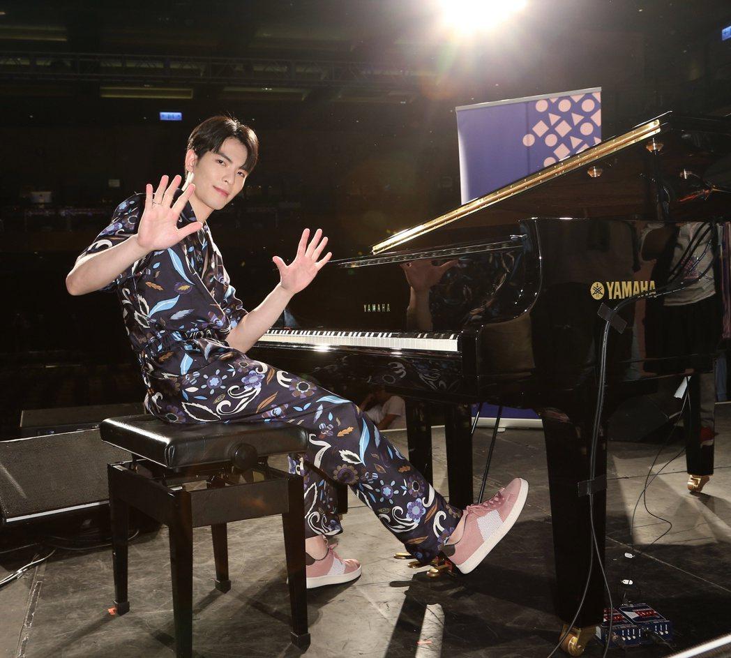 蕭敬騰參加金曲講堂分享創作歷程。記者陳立凱/攝影