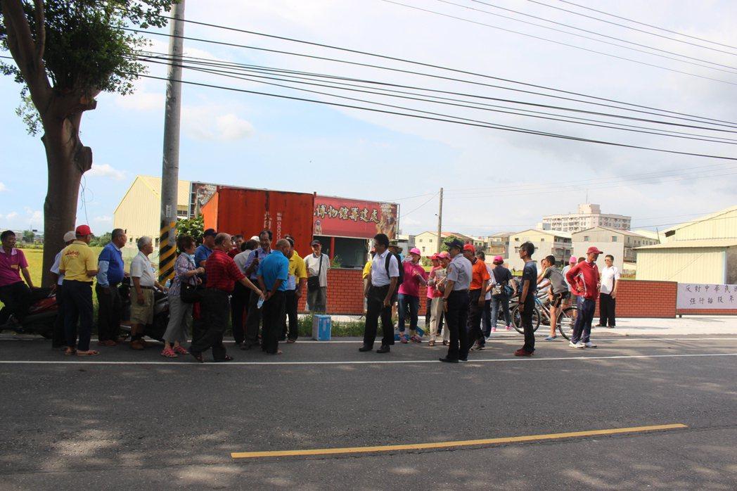 雲林縣40多位六房媽會員集結連署抗議,反對六房媽與每房爐主以1:3比例方式共同負...