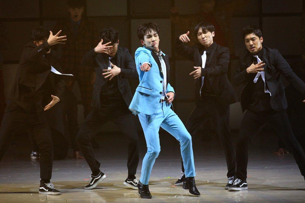 韓團SHINee昨天在新莊體育館舉行演唱會。記者林伯東/攝影