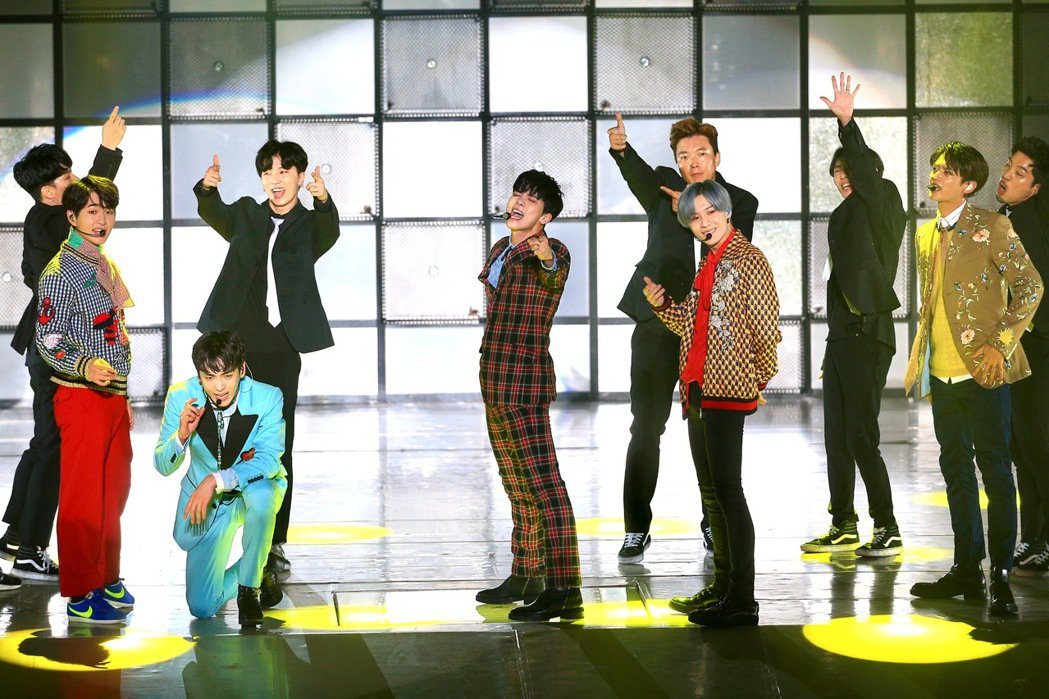 韓團SHINee在新莊體育館舉行演唱會。記者林伯東/攝影