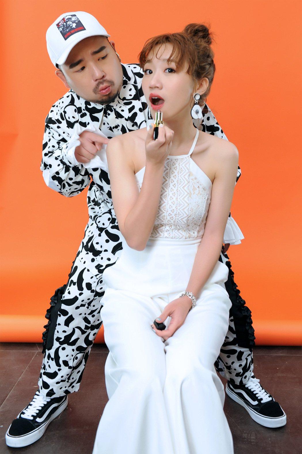 阿達(左)與Lulu首次對唱「我說寶貝」,閃瞎眾人。圖/環球音樂提供