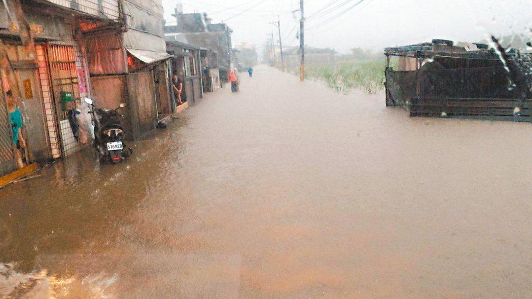 梅雨鋒面造成新北多處淹水,掀起治水建設的聲浪。 圖/新北市府提供