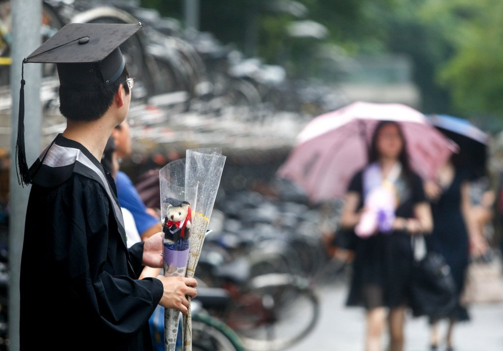 聰明到可以唸完大學,卻對所有事情都提不起勁的畢業生該怎麼找到興趣?或許可以這樣開...