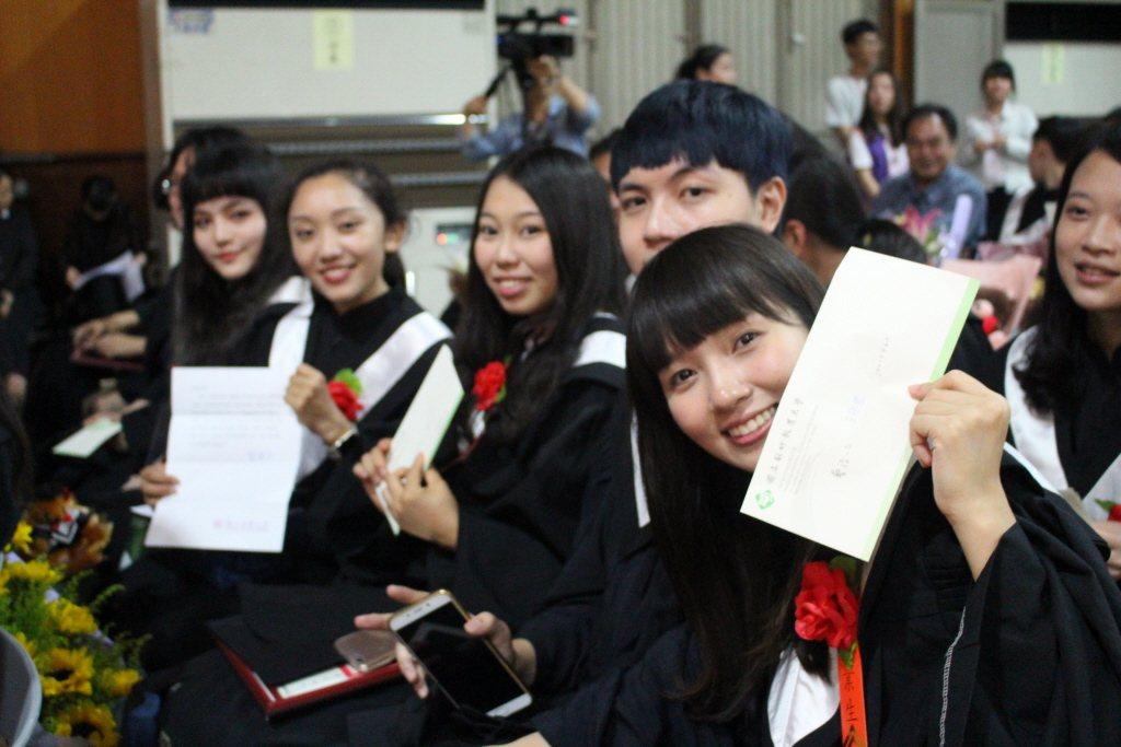 許多即將畢業的大學生都抱著相似的感受:「挑出自己不喜歡甚麼很簡單,但是要說出自己...