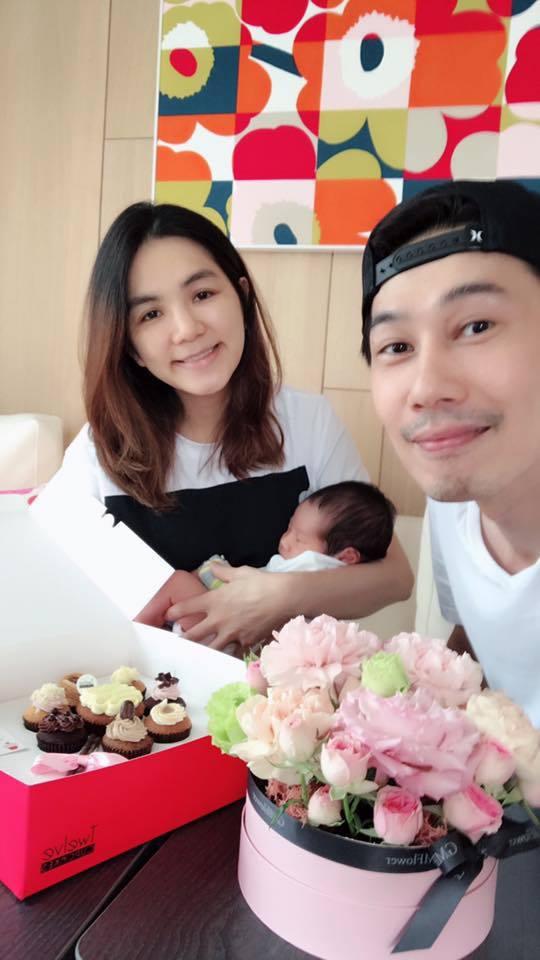 Ella(左)生下勁寶成為新手媽媽。 圖/擷自Ella臉書