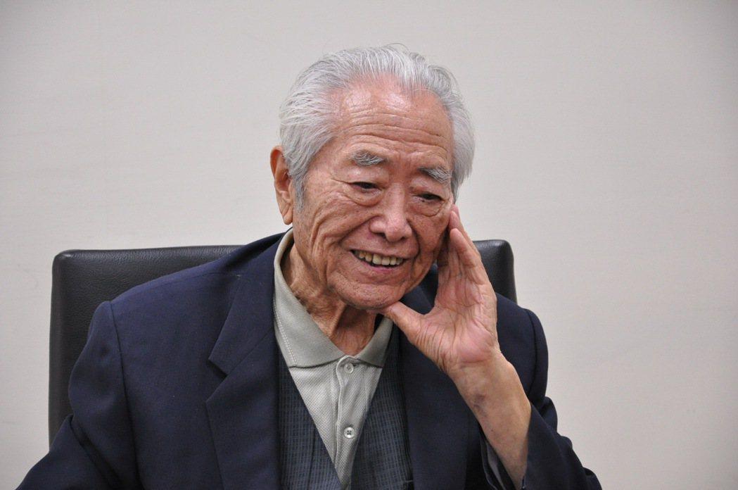 寫下著名抗日戰爭小說《滾滾遼河》的作家紀剛,今年3月7日於美國溘然長逝,享壽97...