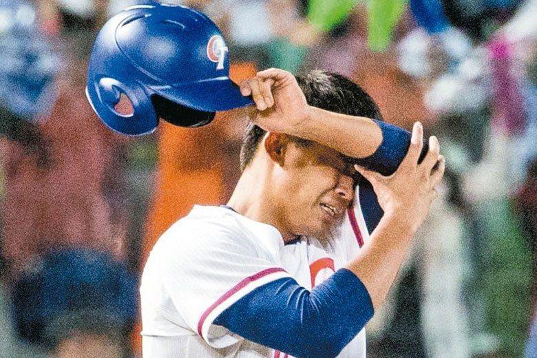 2014年U21世界棒球賽,王柏融對南韓隊揮出關鍵安打,站上壘包後激動落淚。 聯...