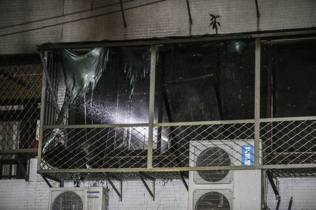 台北市民權路深夜發生火災意外,造成一名婦人命喪火窟,警消趕到現場時,已沒有生命跡...