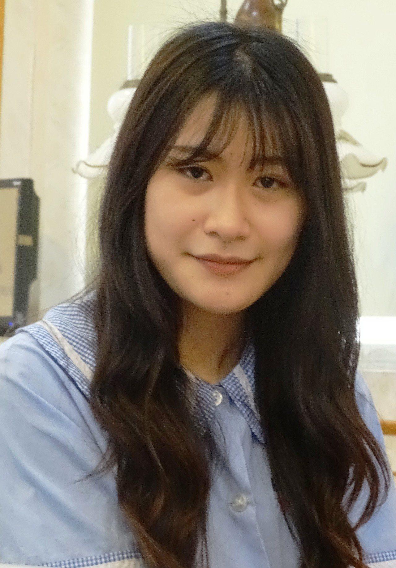 國立員林家商國貿科三年級女生賴彥臻參加四技二專入學統一測驗,得到677分,是彰化...