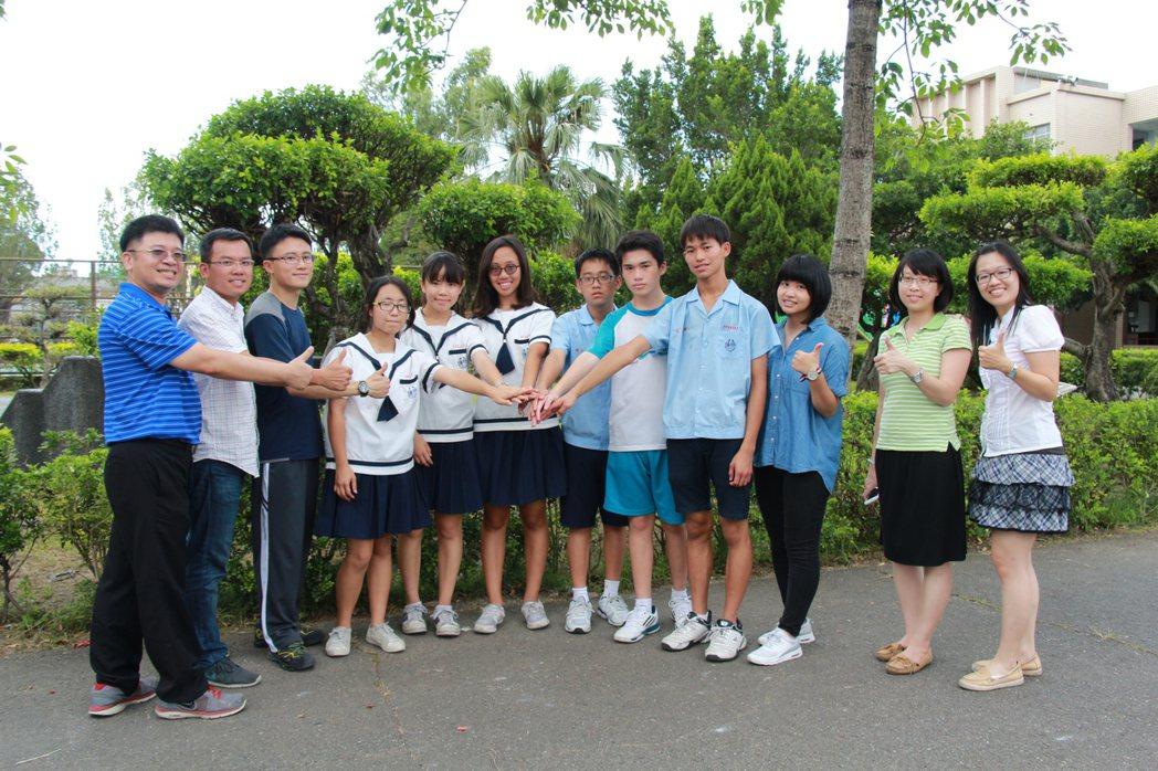 私立南光高中國中部參加會考成績優異學生。圖/南光高中提供