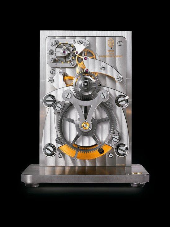 帕瑪強尼15天動力儲存座鐘,約港幣36萬元。圖/Parmigiani提供