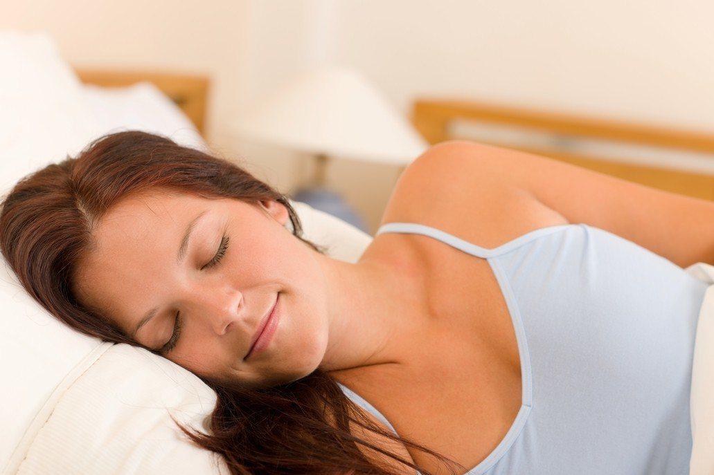 研究顯示,熬夜讀書對成績沒有什麼好處。 圖/ingimage
