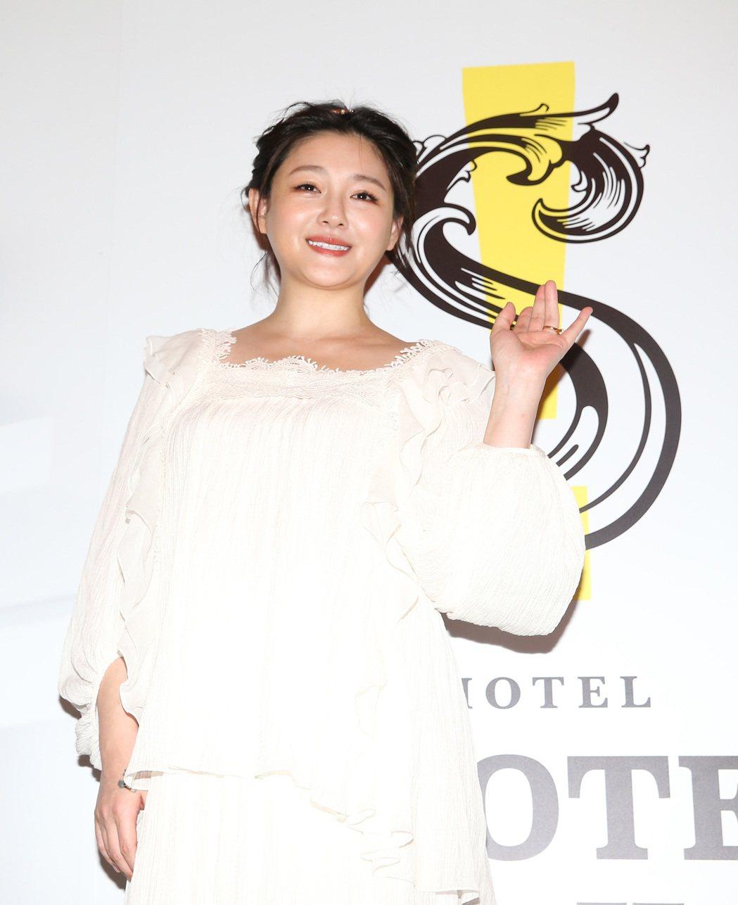 大S、汪小菲一起出席S Hotel開幕,大S白紗整個被肚皮給撐起膨脹。記者陳柏亨...